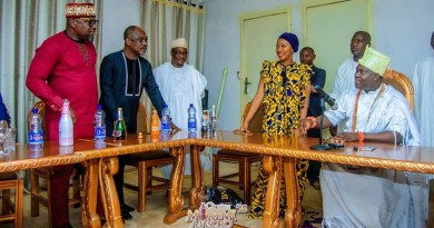 QUEEN MOREMI THE MUSICAL THEATER SHOW DELIGHTS THE OONI OF IFE