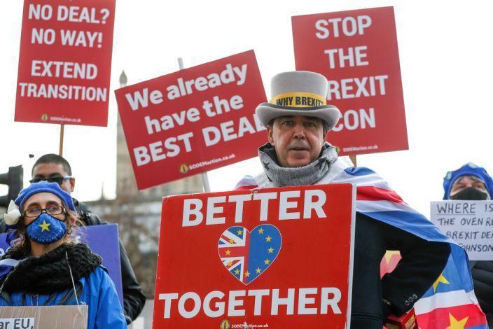 Image: Anti-Brexit demonstrators (Han Yan / Xinhua News Agency/Getty Images)